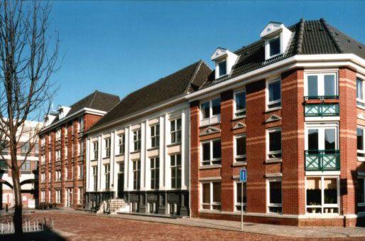 Deventer, Graaf van Burenstraat 7-9